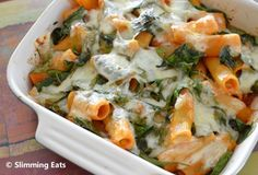 Spinach Pasta Bake Slimming Eats Recipe serves 3 Green – 1 HEa per serving Extra Easy – 1 HEa syns per servingIngredients of rigatoni pasta (or similar), uncooked couple of handfuls of baby spinach Baby Food Recipes, Diet Recipes, Vegetarian Recipes, Cooking Recipes, Healthy Recipes, Toddler Recipes, Pasta Recipes, Yummy Recipes, Yummy Food