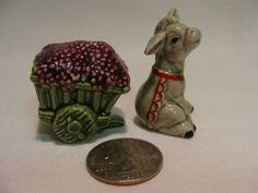 Vintage-Miniature-Arcadia-Donkey-Cart-of-Grapes-Salt-Pepper-Shakers