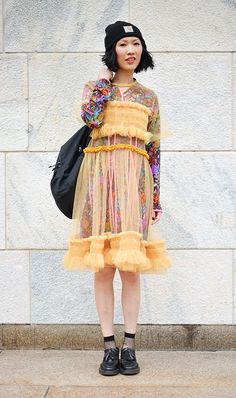 70 Best Street Style Pics From Milan Fashion Week - Quirky Fashion, Only Fashion, Look Fashion, Trendy Fashion, Girl Fashion, Fashion Outfits, Unique Fashion Style, Dress Fashion, Fashion Kids