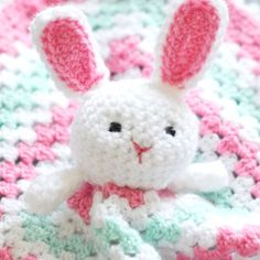 This is a free pattern for an adorable and soft bunny lovey. Makes a great baby shower gift!