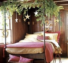 Luxurious Christmas Bedroom Decor Ideas 34