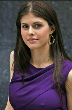 Actress Alexandra Daddario Biography in detail information with Images, age film etc. She is an American Actress who is familiar to all Girl Celebrities, Hollywood Celebrities, Beautiful Celebrities, Hollywood Actresses, Beautiful Actresses, Celebs, Gorgeous Women, Alexandra Daddario Images, Kelly Rohrbach
