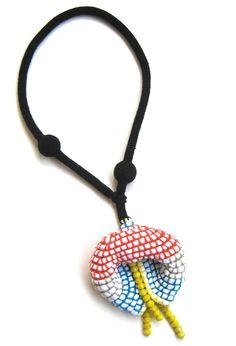 Wonderful crochet jewellery by Teresa Degleri Textile Jewelry, Paper Jewelry, Jewelry Art, Bead Crochet, Crochet Necklace, Funky Jewelry, Fiber Art, Washer Necklace, Jewelery