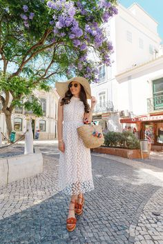 Tiles,wisteria in full bloom in Lagos,Portugal and my crochet dress today on my blog: http://larisacostea.com/2017/07/lagos/