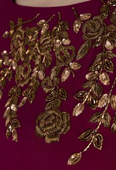 Embroidery Machine Flowers Design Patterns 38 Ideas For 2019 Zardosi Embroidery, Embroidery On Kurtis, Kurti Embroidery Design, Hand Embroidery Dress, Bead Embroidery Patterns, Embroidery On Clothes, Couture Embroidery, Embroidery Fashion, Hand Embroidery Designs