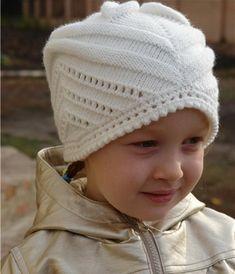 """Детская шапочка спицами """"Цветочек для любимых дочек"""""""