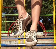 #tênis #sneaker #dourado #gold #moda #esporte #casual #fashion #modaeconforto #fashion #piccadilly