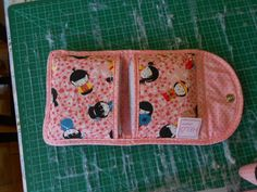 Tap to activate or exit full screen Purse Tutorial, Sewing Kit, Patch Quilt, Etsy Crafts, Small Bags, Cute Gifts, Sewing Projects, Sewing Patterns, Coin Purse