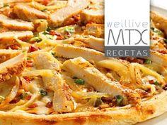 Base PIZZA HIPERPROTEICA [Low Carb Pizza]   Una solución para dietas Mountain, Paleo, Zona, Adkins… No vas a creer lo delicioso que esto sabe, y es increíblemente fácil de hacer.  Ingredientes 6 huevos enteros 170 g. de crema de queso 110 g. de queso rallado parmesano. Sal y pimienta al gusto Salsa italiana al gusto Ajo Picado o el polvo  Instrucciones Precalentar el horno a 350 grados. Tener la crema de queso a temperatura…