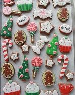 How to Color Icing Red {& Decorated Christmas Cookies}