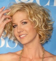 short curly hairstyles color