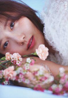 YoonA Special Album A Walk to Remember BOOKLET SPRING Ver. Yuri, Tiffany, Girl's Generation, Im Yoon Ah, Walk To Remember, Gfriend Sowon, Yoona Snsd, Instyle Magazine, Cosmopolitan Magazine