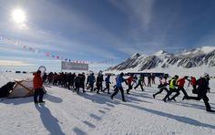 Αφιέρωμα στον Antarctic Ice Marathon - 51 δρομείς έτρεξαν στους -30 βαθμούς Κελσίου .. εσύ θα άντεχες;;  http://runningmagazine.gr/2014/11/famous-marathons-antarctic-ice-marathon/