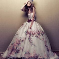 Floral wedding dress  Stunning! I want this now!