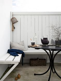 Here in the camp it rained all day yesterday and that gave him room for Scandinavian Garden, Scandinavian Living, Outdoor Spaces, Outdoor Living, Casa Cook, Home Decor Trends, Little Houses, Interior Design Inspiration, Decoration