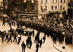 Entrance to Cable St on Sunday afternoon, October crowds stop Mosley's Blackshirts passing through [Tower Hamlets Archive picture] Diesel Punk, Vintage London, Old London, World Conflicts, East End London, Power To The People, Tower Of London, London Photos, London Street