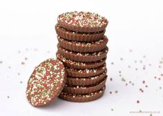 Really easy homemade giant chocolate jazzies - a great gift idea for kids to make this Christmas from Eats Amazing UK