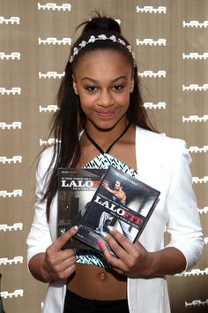 Nia at the 2015 Kids Choice Awards Gifting Lounge