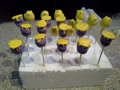 Winnie the Pooh cake pops Winnie The Pooh Cake, 3d Cakes, Cake Pops, Homemade, Desserts, Food, Tailgate Desserts, Deserts, Home Made