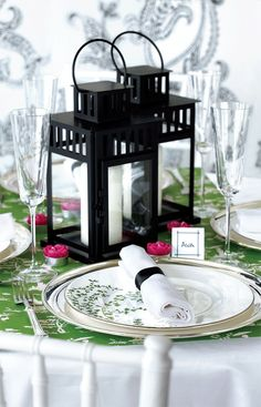 Love the Emerald and black together - and the little pop of fuchsia!! DIY: 53  amazing ideas of spring table decoration