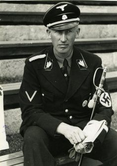 Exponat: Photo: Reinhard Heydrich, 1940