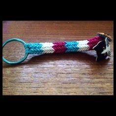 Used cat buttons I found at Hobby Lobby for the charms. Rainbow Loom Keychain, Rainbow Loom Charms, Rainbow Loom Bracelets, Kids Rainbow, Rainbow Room, Hobby Lobby, Keychains, Craft Ideas, Charmed