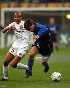 Alvaro Recoba of Inter Milan and Olivier Dacourt of Roma in action during the Serie A match between Inter Milan and Roma, played at the Giuseppe Meazza San Siro Stadium, Milan, Italy on April 6, 2003.