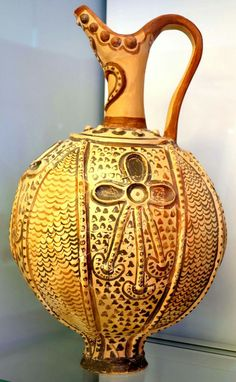 Ritual ewer with sacral knots in relief Knossos, Little Palace 1450 - 1370 BC Crete, Iraklion, AMI