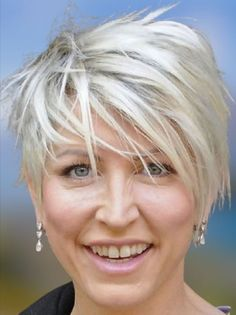 Trendy Pixie haircuts for women over 50 to 60 in 2021-2022 Short Choppy Haircuts, Hairstyles Over 50, Cute Hairstyles For Short Hair, Pixie Hairstyles, Woman Hairstyles, Layered Hairstyles, Popular Hairstyles, Cool Haircuts For Women, Hair Styles For Women Over 50