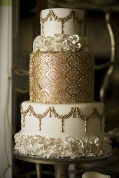 Wedding Invitations Examples when Wedding Cake Toppers Guitar Groom his Wedding Dresses Elegant; Amazing Wedding Cakes, Elegant Wedding Cakes, Elegant Cakes, Wedding Cake Designs, Bling Wedding Cakes, Wedding Bouquets, Wedding Gowns, Wedding Flowers, Gorgeous Cakes