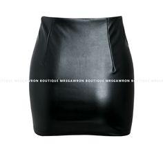 Spódnica skórzana mini z ćwiekami (2) z napisem Waist Skirt, Boutique, Skirts, Fashion, Moda, Fashion Styles, Skirt, Fashion Illustrations