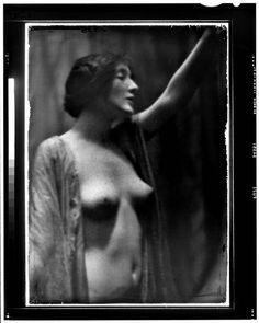 Audrey Munson. Arnold Genthe/Library of Congress.