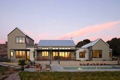 Modern Farmhouse-Gast Architects-01-1 Kindesign
