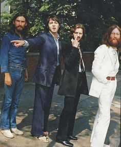 The Beatles waiting to cross Abbey Road, 1969. By Iain Macmillan pic.twitter.com/ANd73kk2aV