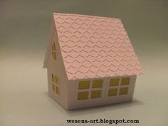 . . . Wesens-Art: Papier-Haus / Paper House