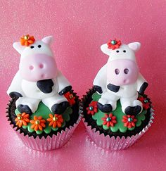 Seated Cow Cupcakes