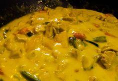 Currys zöldséges csirke