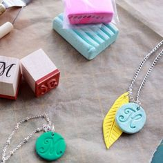 Want a quick way to accessorize your outfit? DIY polymer clay jewelry is inexpensive and super easy to do.