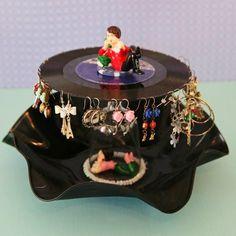 DIY Arts & Crafts : DIY Upcycled Record Earring Organizer