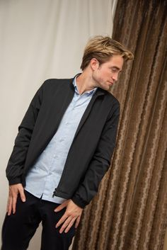 """Robert Pattinson at """"The Lighthouse"""" Press Conference at the Four Seasons Hotel on October 2019 in Beverly Hills, California. Get premium, high resolution news photos at Getty Images King Robert, Robert Douglas, Taron Edgerton, Robert Pattinson Twilight, Eddie Murphy, Edgy Outfits, Future Husband, Pretty Boys, Pretty People"""