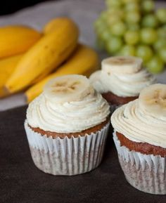 Банановые капкейки с корично-медовым кремом