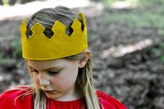 How to make a royal felt crown