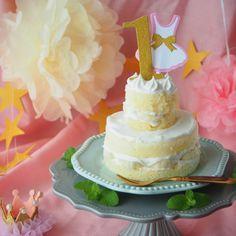 1歳のお祝いに作りたい!2段の豪華な手作りデコレーションケーキ | おうちごはん Baby First Birthday, First Birthdays, Sweets, Cake, Desserts, Food, Tailgate Desserts, One Year Birthday, Deserts