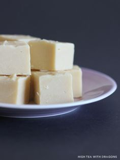 Three Ingredient Fudge - nzgirl  Ingredients      1020g white chocolate, broken     1 can condensed milk, 395g     ½ cup Bailey's