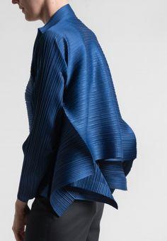 Issey Miyake Pleats Please Edgy Bounce Jacket in Blue #issey #miyake #isseymiyake #pleats #fashion
