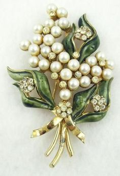 Francois (Coro) Enameled Pearl Floral Brooch. We just love the layering look of the pearl and diamonds on this vintage brooch!