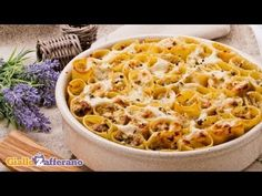 Ricetta Paccheri ripieni con salsiccia e funghi - Le Ricette di GialloZafferano.it