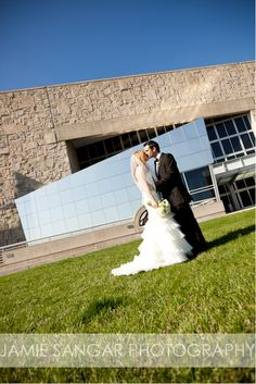 Kourtney + Al | Wedding Ceremony & Reception. Photos by Jamie Sangar Photography. #IndianaStateMuseum