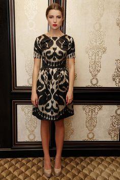 Batik Fashion, Folk Fashion, Ethnic Fashion, Modern Fashion, Fashion Prints, Filipiniana, Batik Dress, Ethnic Dress, Embroidery Fashion