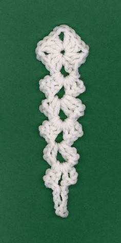 Materials: - small amount white worsted weight acrylic - I hook Size: long Directions: Rnd Ch 2 dc in ch from .~ an icicle ~ Crochet Tree, Crochet Christmas Decorations, Crochet Christmas Ornaments, Christmas Crochet Patterns, Holiday Crochet, Crochet Crafts, Yarn Crafts, Crochet Flowers, Crochet Projects